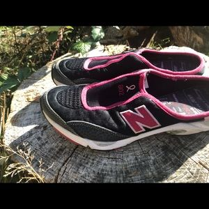 New Balance Women's Black/Pink On Mules Sneakers